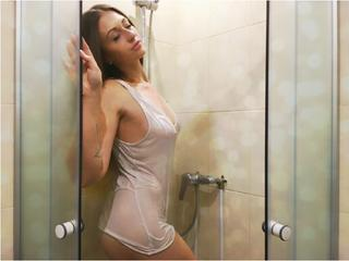 My Age Is 20 Yrs Old And I'm A Camwhoring Seductive Hottie! My Model Name Is SugarLana